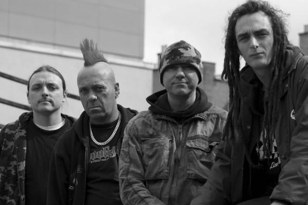 The Exploited Уолтер Дэвид Бьюкэн