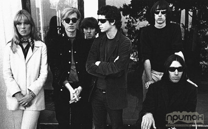 Velvet Underground всей компанией с Нико и Энди Уорхоллом